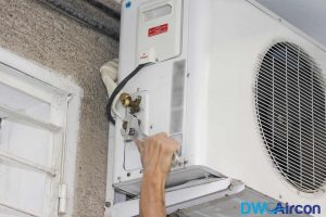 normal-aircon-servicing-dw-aircon-servicing-singapore_wm