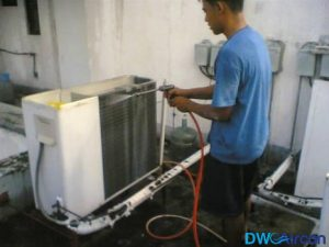 Aircon-Cleaning-Singapore-Dw-Aircon-Servicing-Singapore_wm