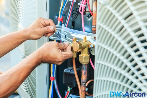 Aircon-contractor-Dw-Aircon-Servicing-Singapore_wm
