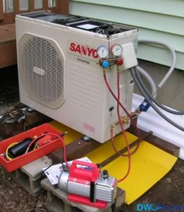 Aircon-gas-top-up-in-Singapore-Dw-Aircon-Servicing-Singapore_wm