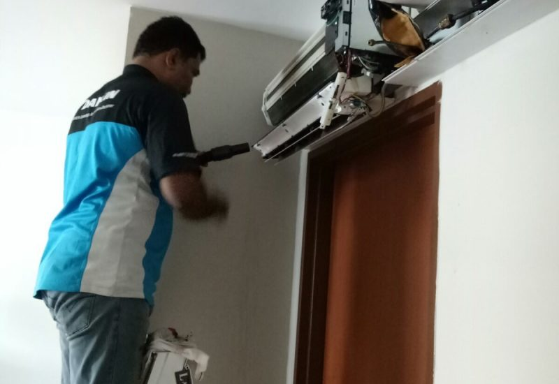 Aircon-Chemical-Overhaul-Dw-Aircon-Servicing-Singapore-27_wm