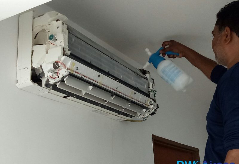 Aircon-Chemical-Wash-Dw-Aircon-Servicing-Singapore-HDB-Clementi-1