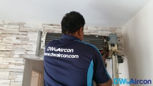 Aircon-Servicing-Dw-Aircon-Servicing-Singapore-HDB-Tiong-Bahru-10