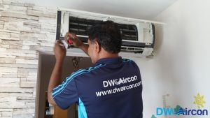 Aircon-Servicing-Dw-Aircon-Servicing-Singapore-HDB-Tiong-Bahru-2