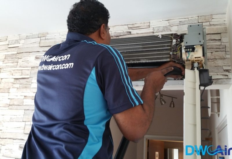 Aircon-Servicing-Dw-Aircon-Servicing-Singapore-HDB-Tiong-Bahru-9