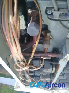 aircon-condensor-thermistor-repair-replacement-aircon-repair-singapore-hdb-dover-01_wm