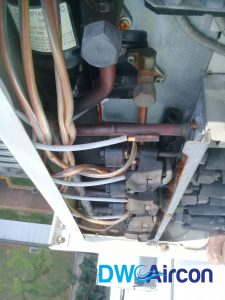 aircon-condensor-thermistor-repair-replacement-aircon-repair-singapore-hdb-dover-02_wm