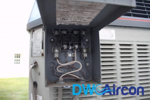 Air-Conditioner-Fuse-Box-DW-Aircon-Servicing-Singapore_wm