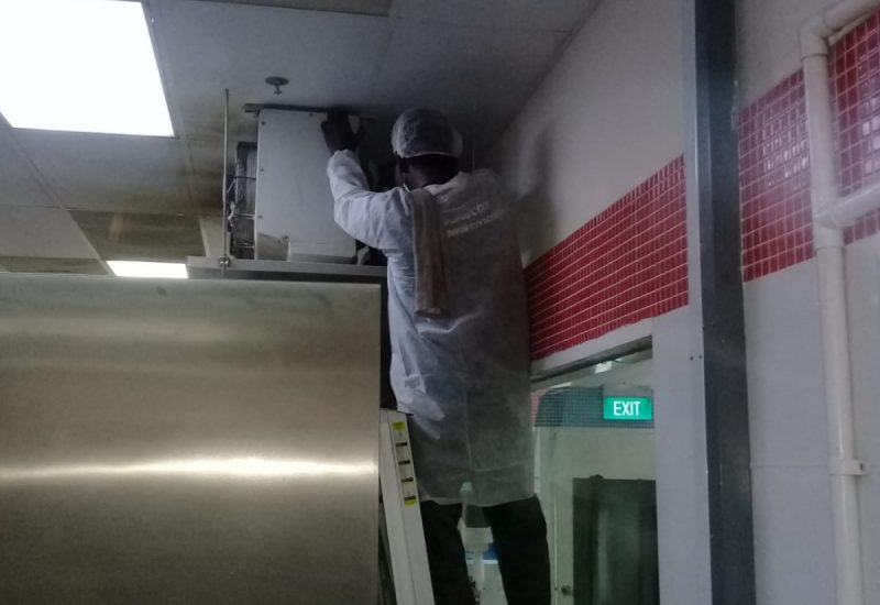 aircon-maintenance-normal-aircon-servicing-commercial-kitchen-office-tai-seng-dw-aircon-servicing-singapore_wm