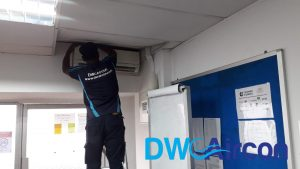 normal-aircon-servicing-fan-coil-unit-dw-aircon-servicing-singapore-commercial-bukit-merah-2_wm