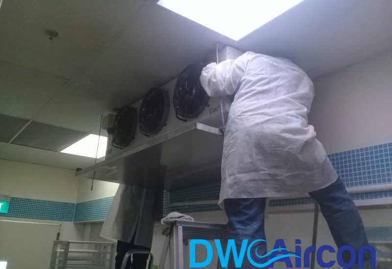 Normal aircon Servicing dw aircon servicing commercial tai seng 9