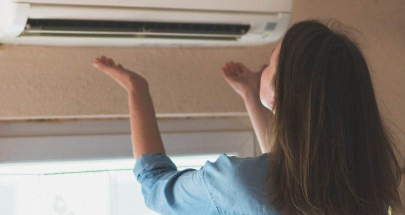 aircon-not-blowing-cold-air-aircon-filter-dw-aircon-servicing-singapore_wm