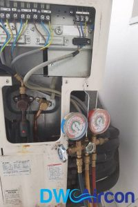 ac-refrigerant-meters-aircon-light-blinking-dw-aircon-singapore