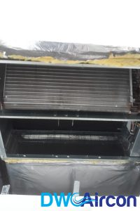 ceiling-ducted-condensers-aircon-light-blinking-dw-aircon-servicing-singapore