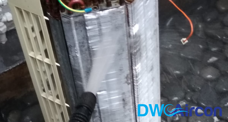 water-sprayer-aircon-chemical-wash-dw-aircon-singapore_featured