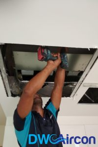 aircon-technician-professional-aircon-troubleshooting-aircon-servicing-singapore