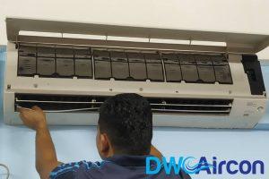 male-ac-technician-aircon-servicing-dw-aircon-servicing-singapore