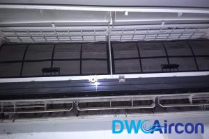 uncovered-aircon-filter-aircon-servicing-dw-aircon-servicing-singapore
